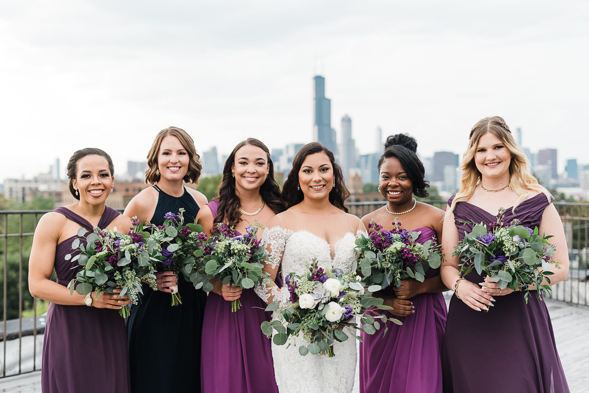 chicagoweddingphotographer_lacunalofts-1049.jpg