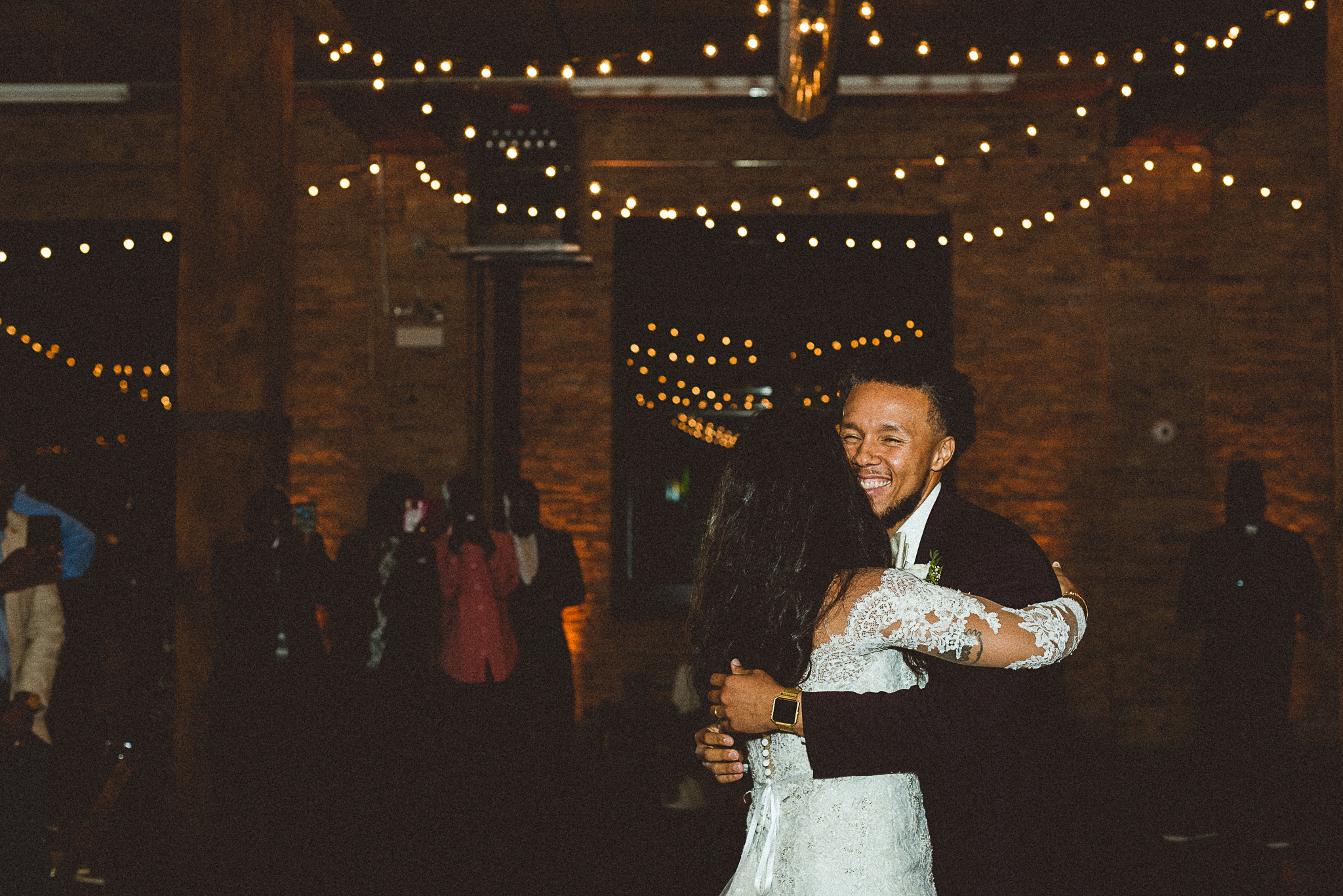 chicagoweddingphotographer_lacunalofts-1092.jpg