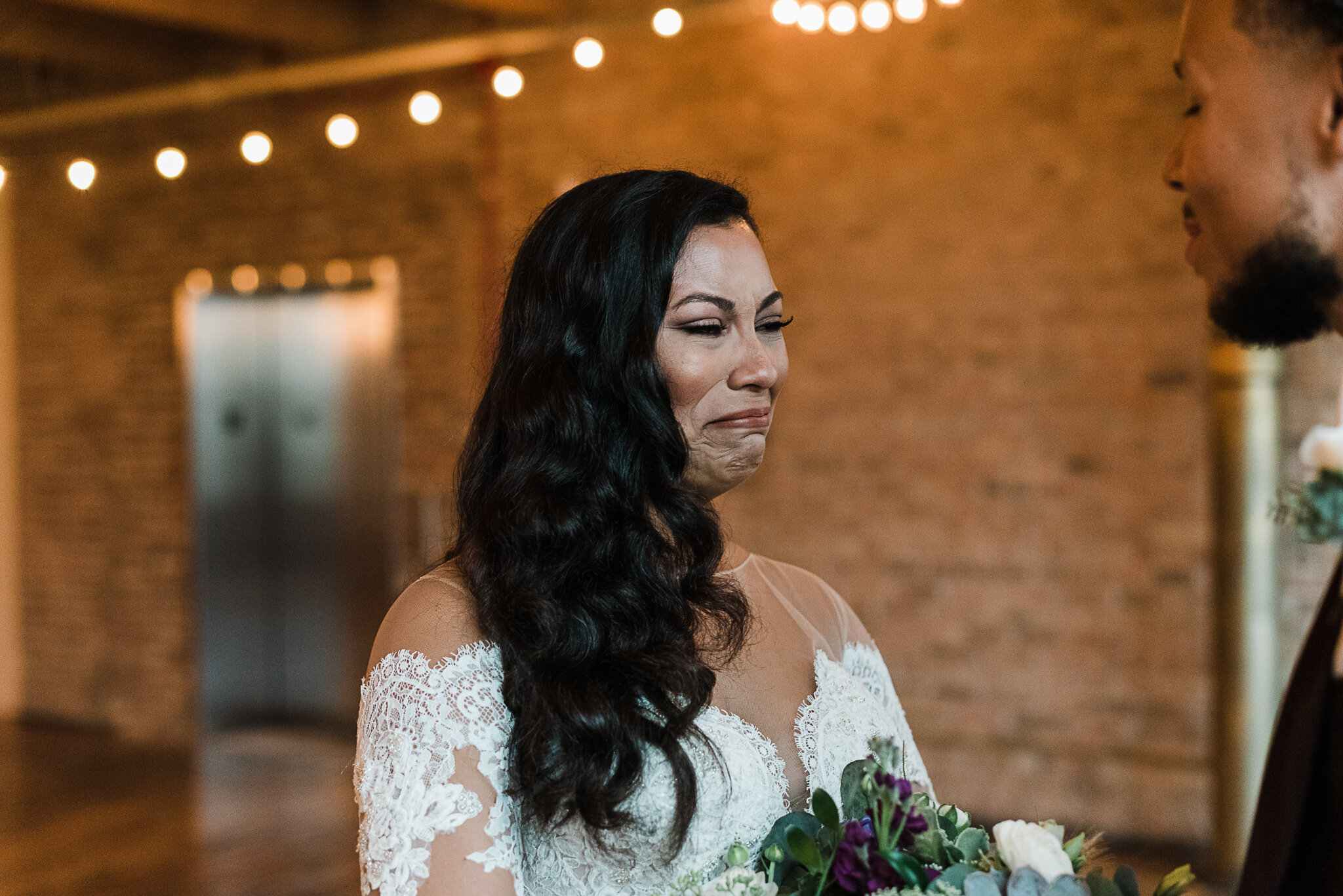 chicagoweddingphotographer_lacunalofts-1031.jpg