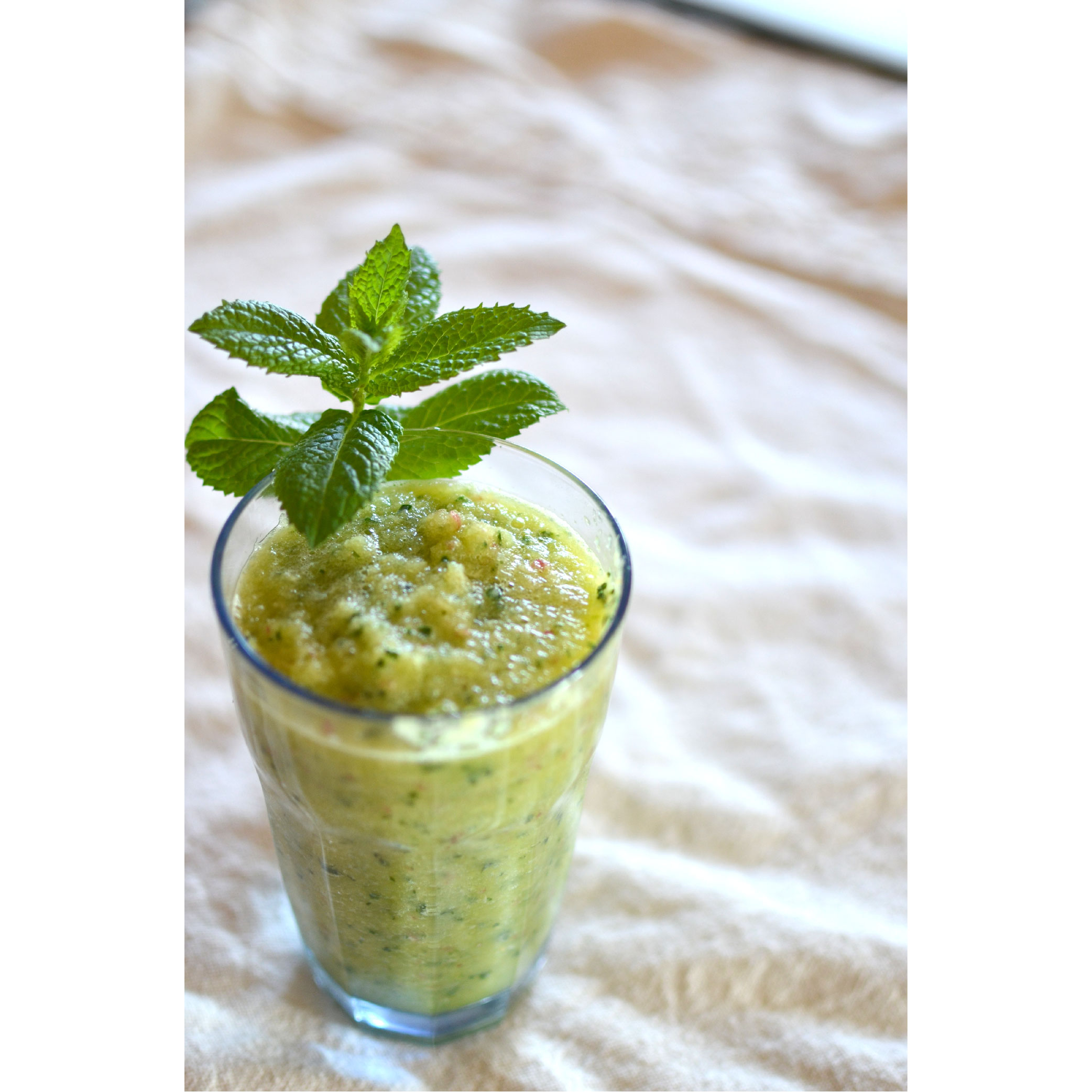 Cucumber, ginger, lemon, mint mix