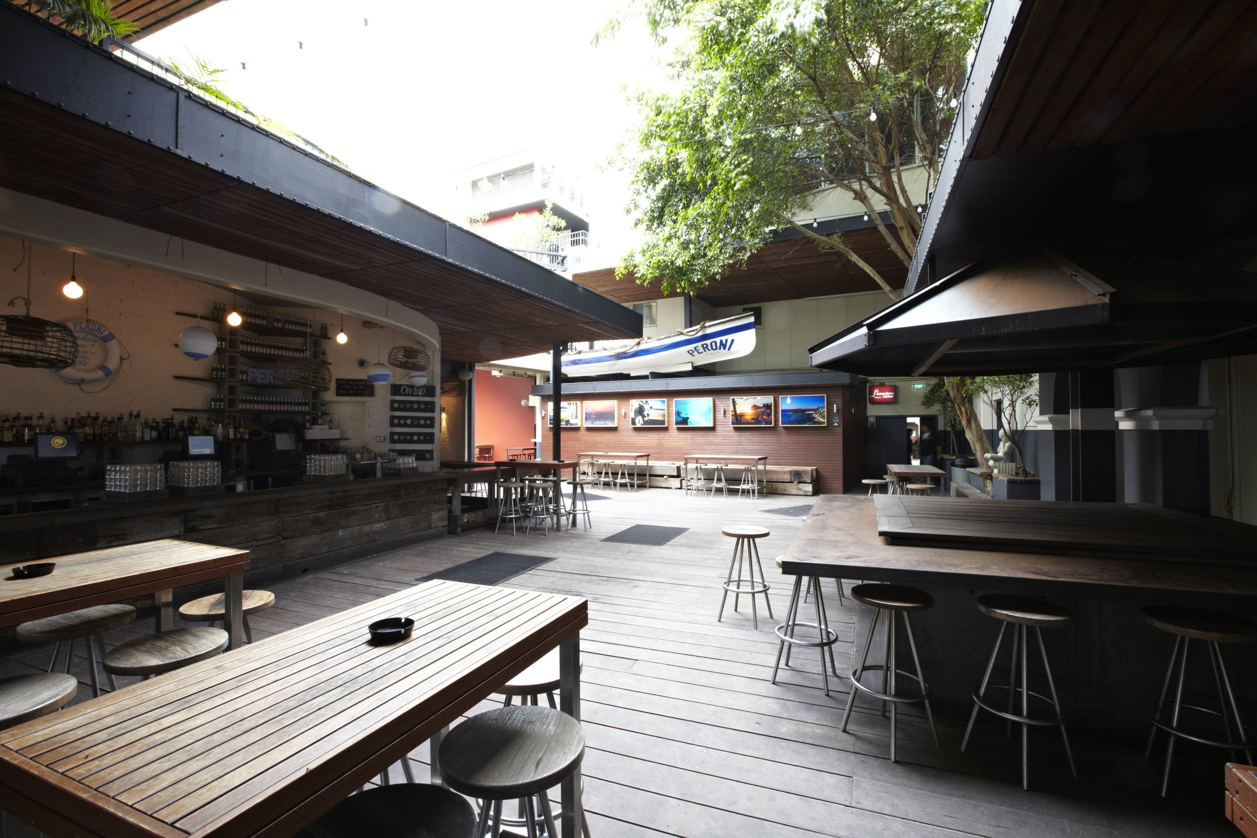 Hotel Steyne Peroni Bar Beer Garden