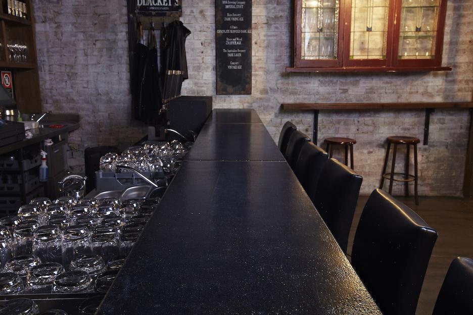 Hotel Steyne Blackets Bar