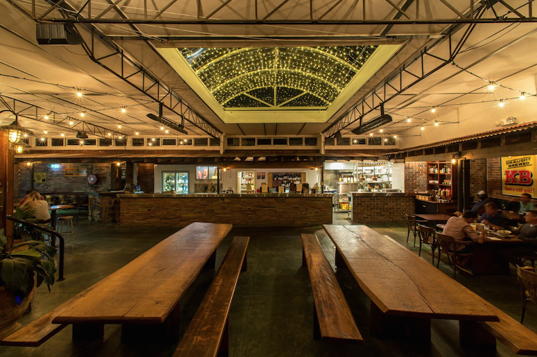 Nelson Hotel Pub