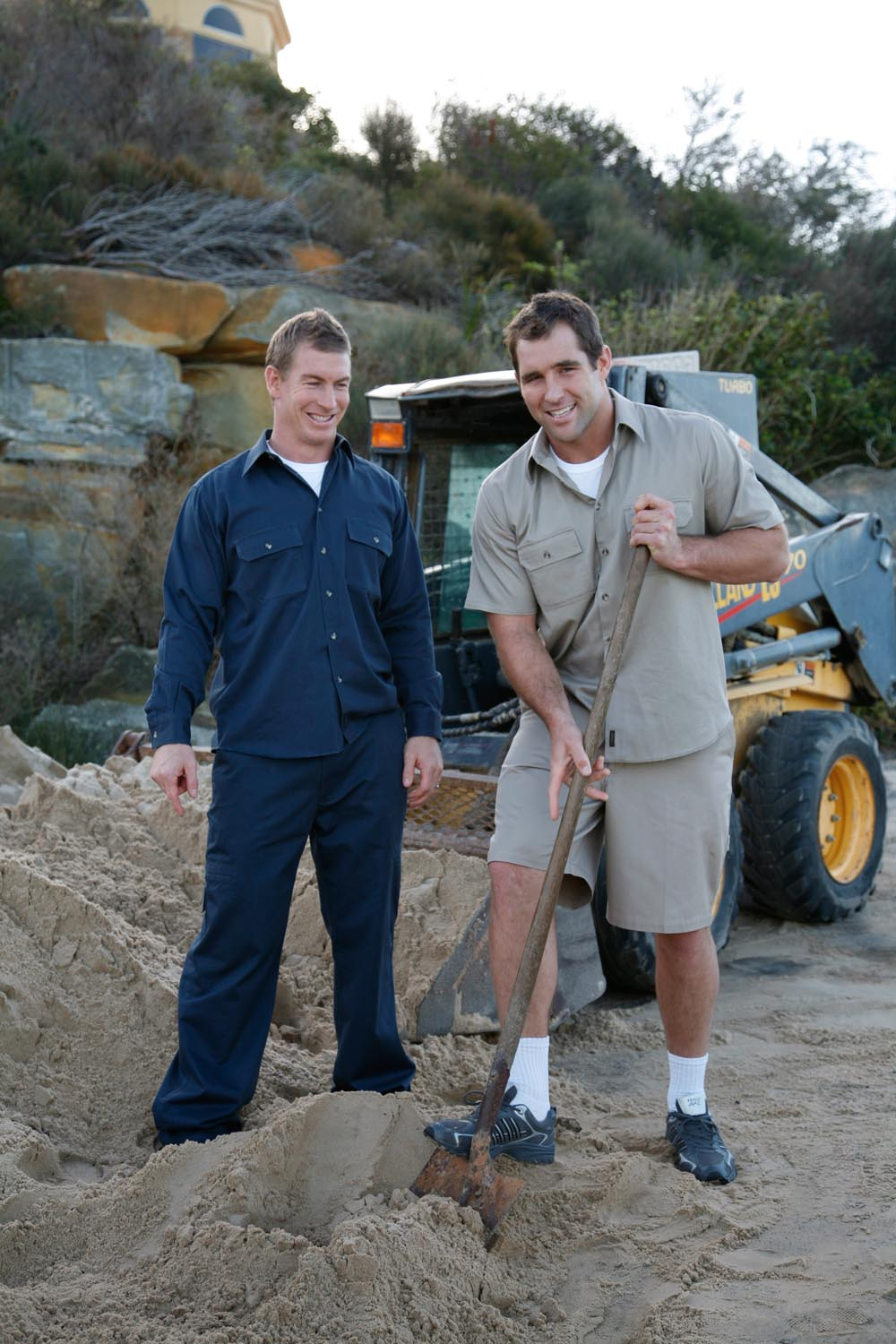 These guys look a little bit too tidy to be shoveling dirt at the end of the day #benross
