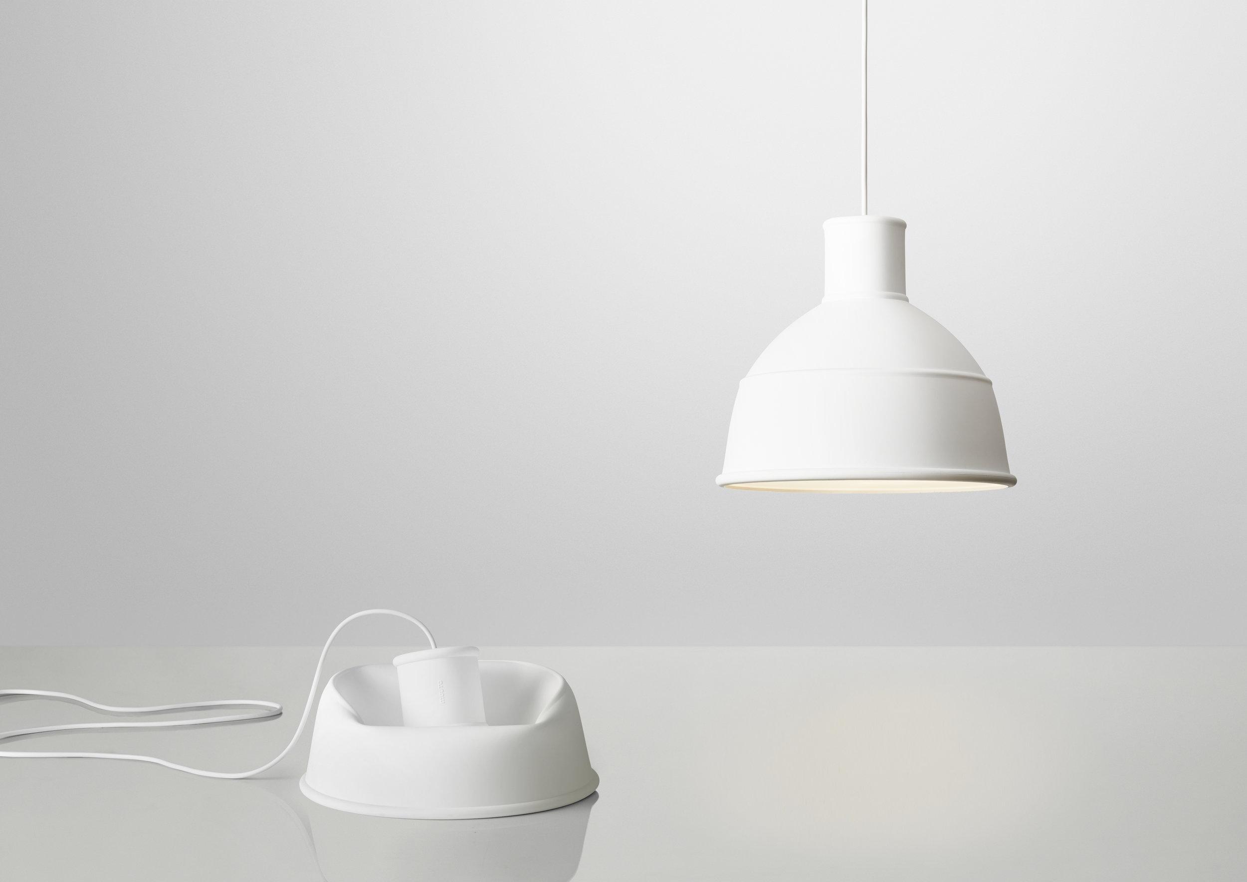 Unfold_white_2lamps.jpg