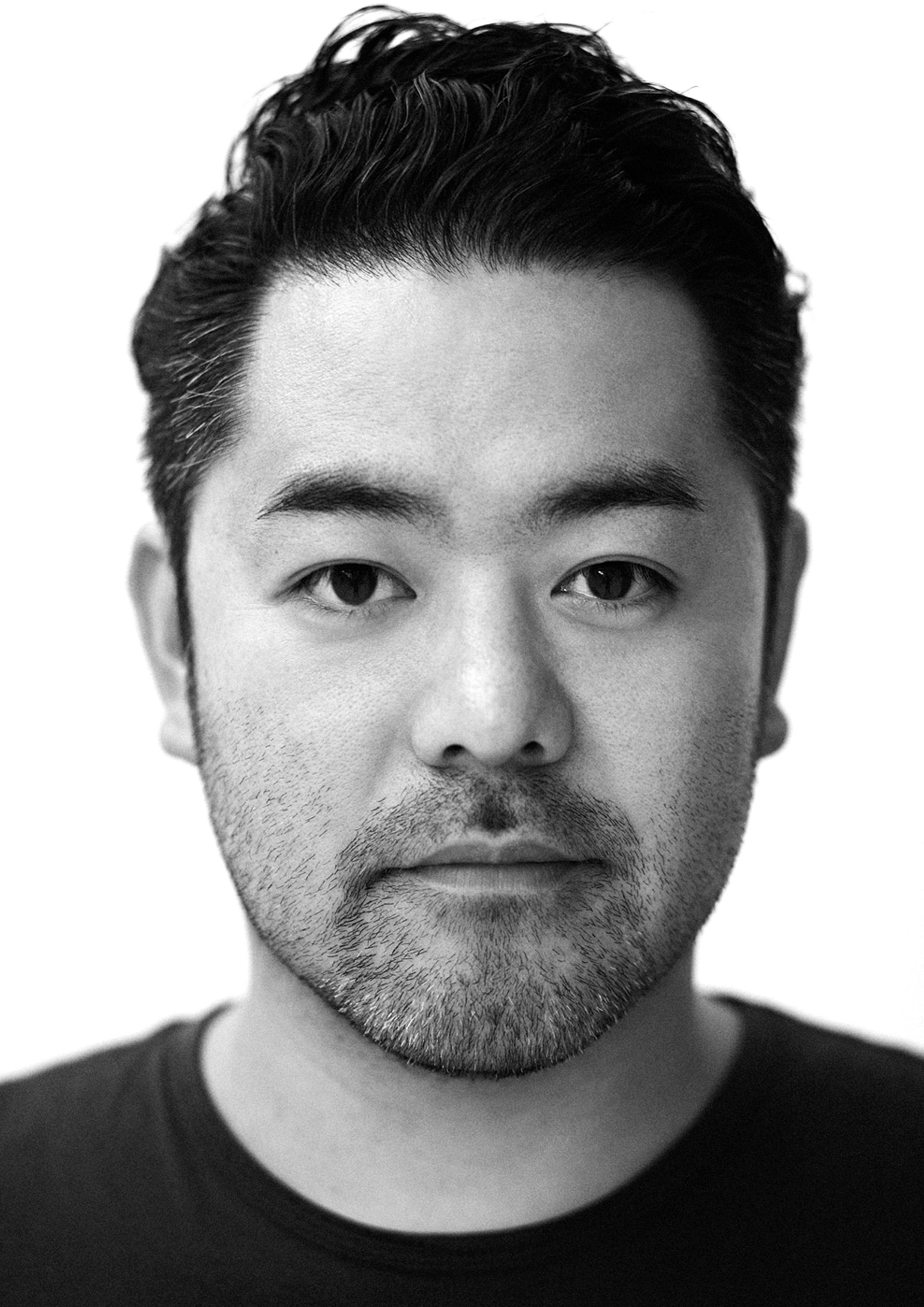 KensakuOshiro_portrait.jpg