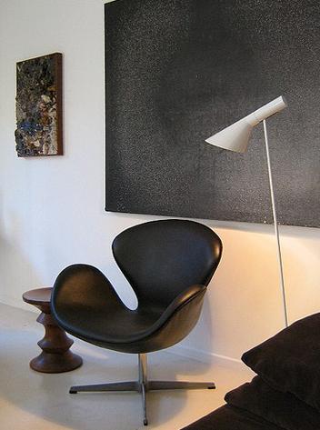 arne-jacobsen-louis-poulsen-aj-floor-lamp-reproduction-lamp (2).png