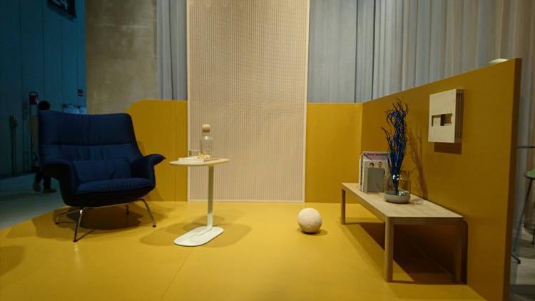 Relate Side Table - 優雅的側桌, 可拉到沙發旁作為邊桌, 或放置在任何需要置物的空間,便於移動的靈活性為生活帶來多一份輕巧。