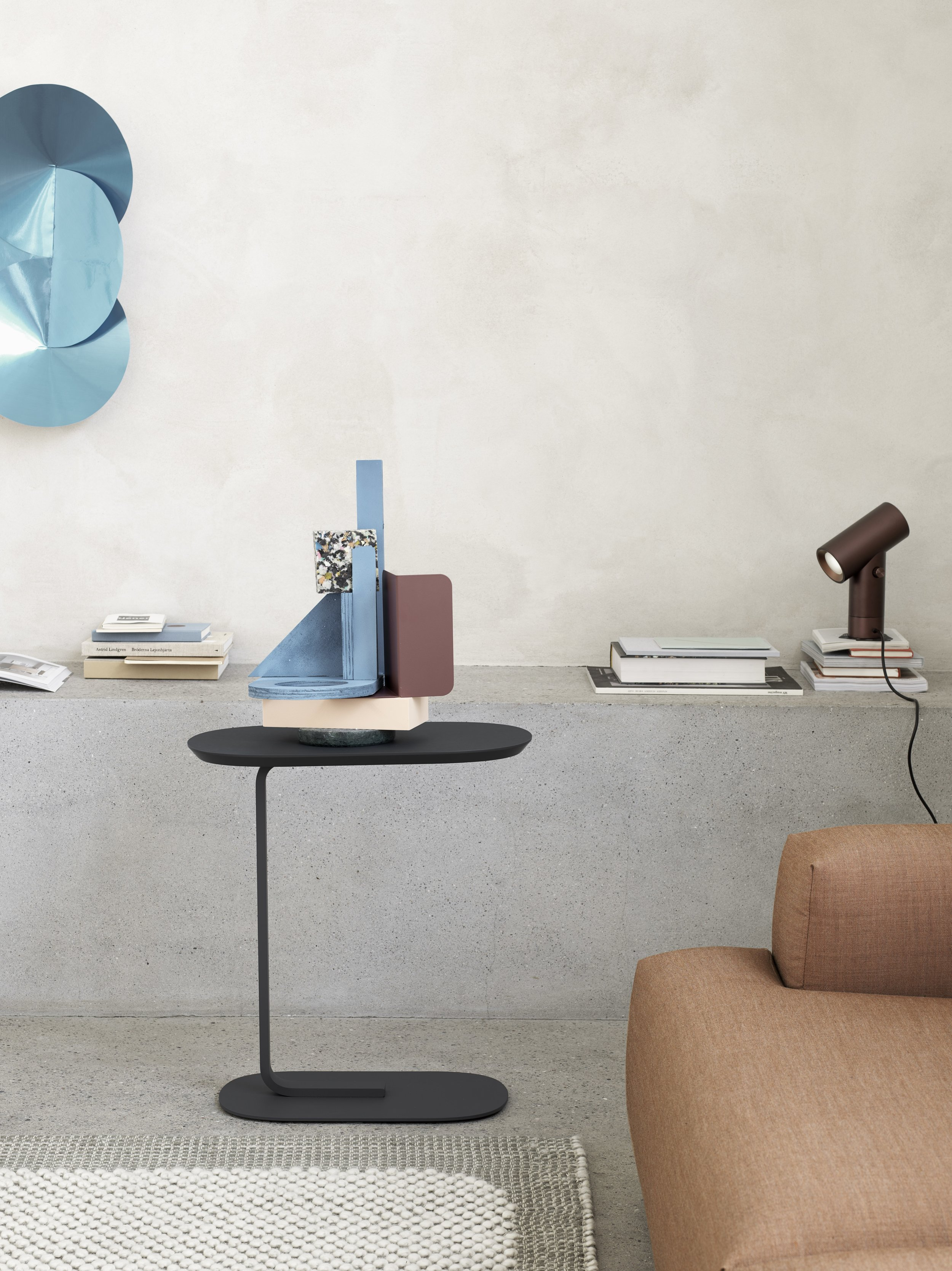Relate-sidetable-black-pebble-light-grey-connect-remix-252-beam-compile-bookend-Muuto-org.jpg