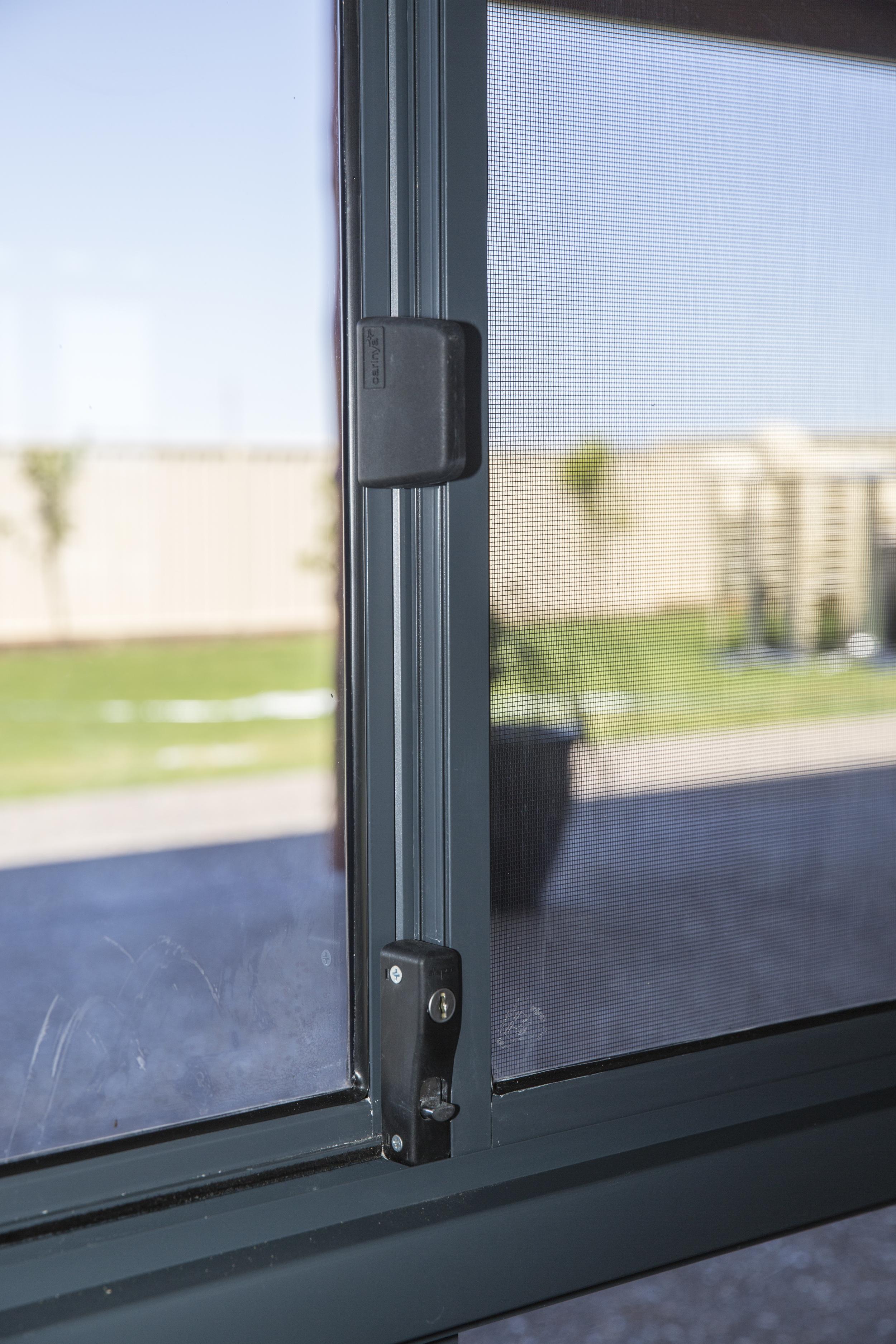 Sliding window close