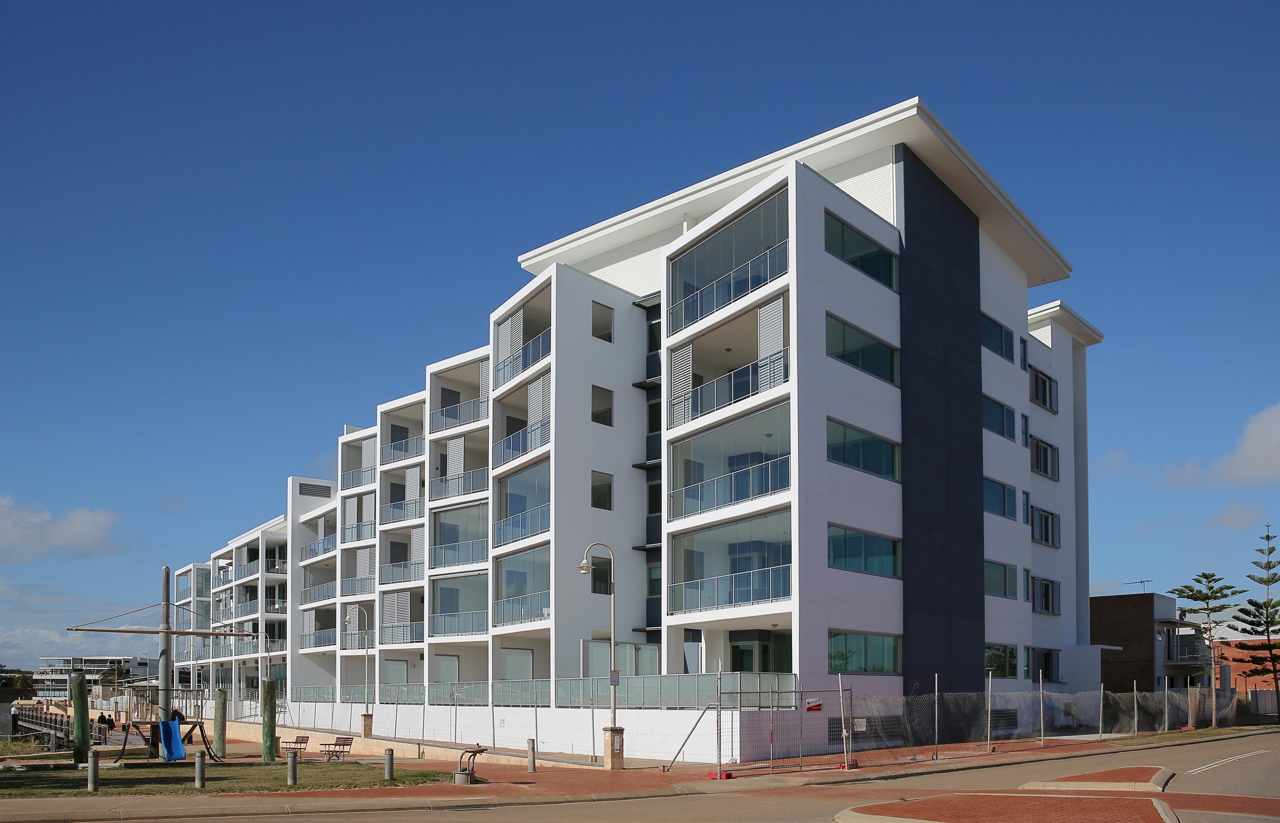 CROTHERS CONSTRUCTION - BATAVIA COAST APARTMENTS
