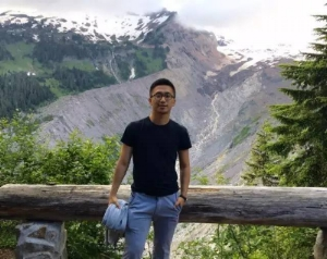 Renfei Zou,Solutions Engineer @Facebook   在Facebook担任Solutions Engineer的Renfei负责为Facebook北美东部的电商以及零售业客户提供市场营销解决方案。在加入Facebook之前,他曾任职于IBM Waston. 除了会写代码,他还做过新东方的口语老师。  Keyword: #MachineLearning