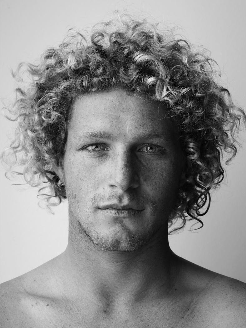 surfer_11_by_sandro_baebler.jpg