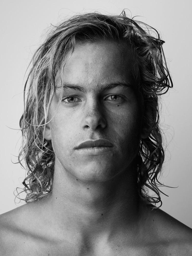 surfer_18_by_sandro_baebler.jpg