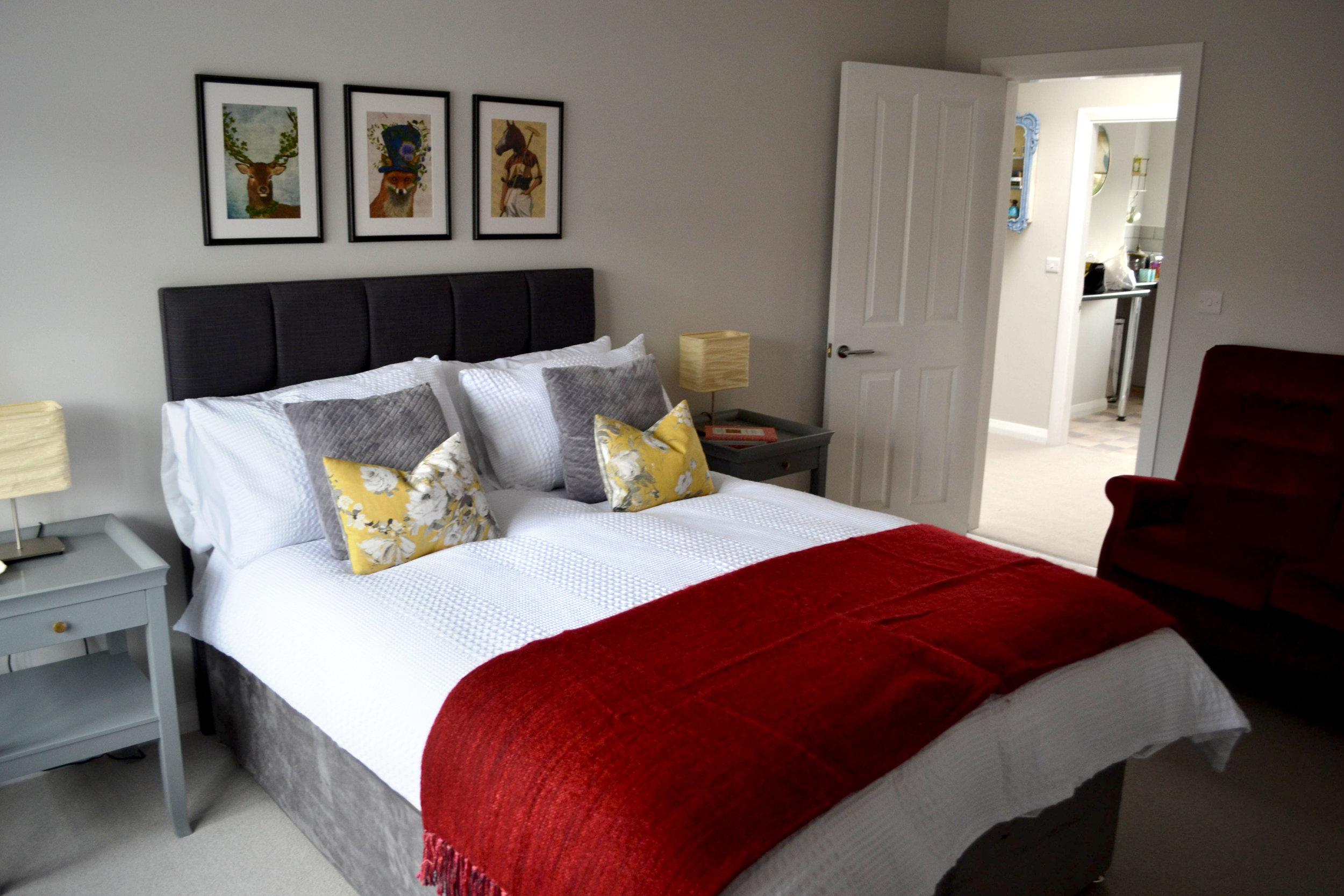 Red Bedroom_5.jpg