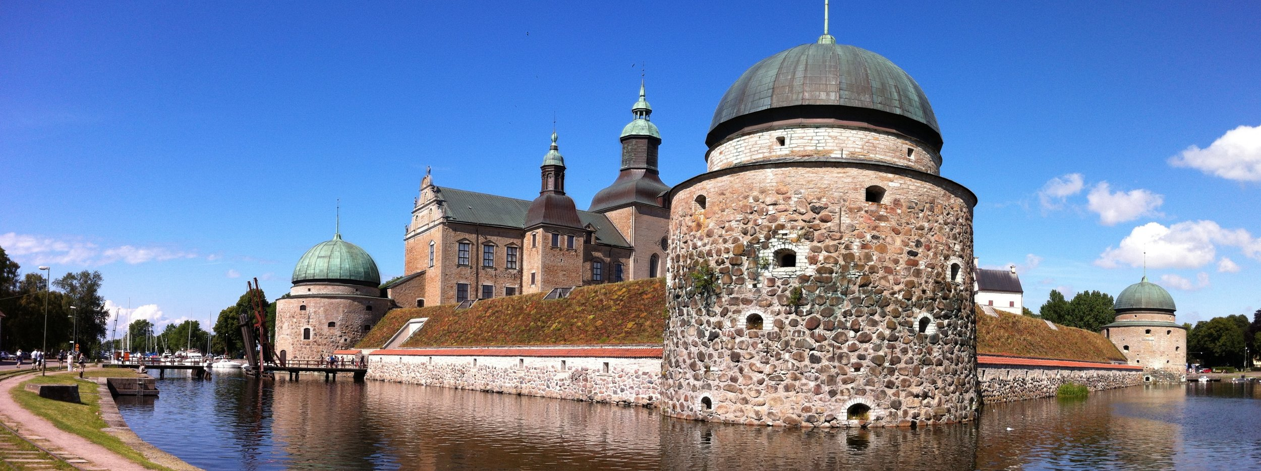 Vadstena_Castle.jpeg