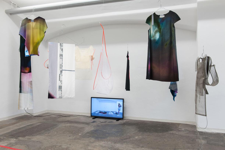 Thi To Uyel Ly, EXUVIE FOR SKYPELAB, Städtische Galerie Reutlingen, 2016, Photo: Karl Scheuring, Reutlingen