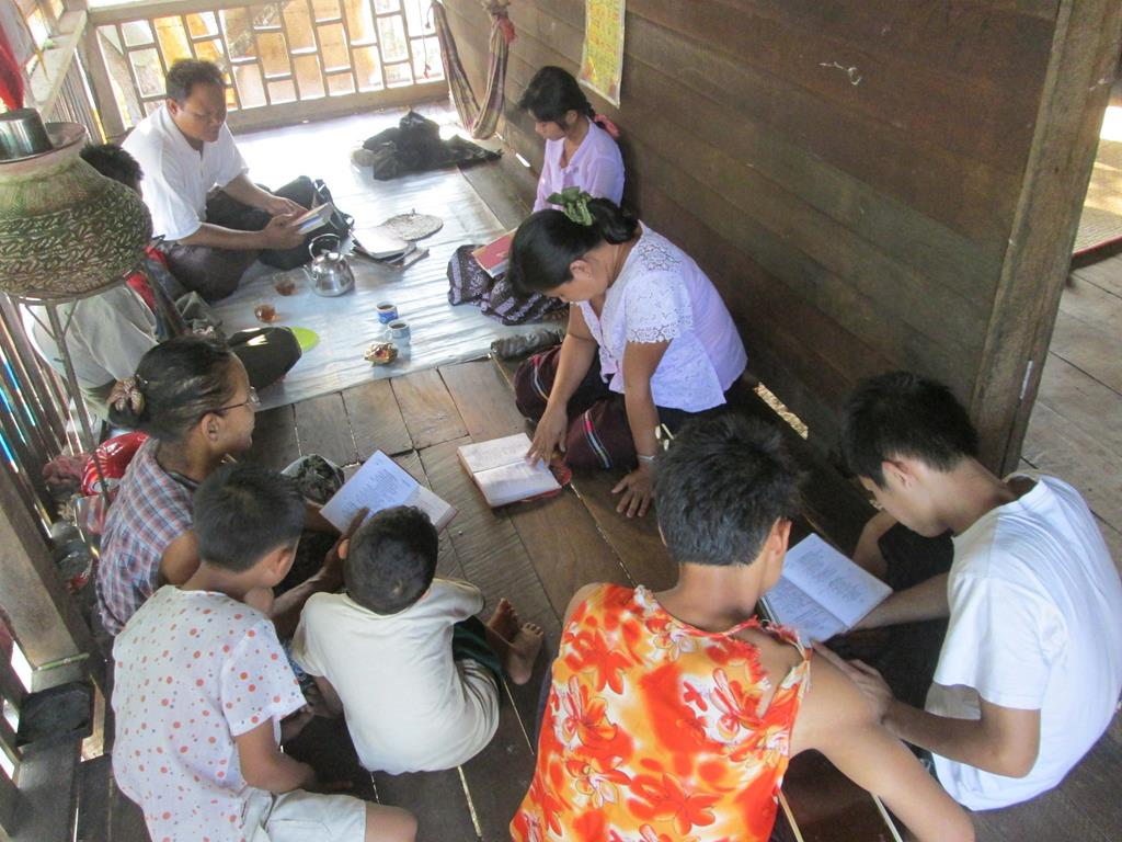myanmar bible study may 2013 1 (Copy).jpg