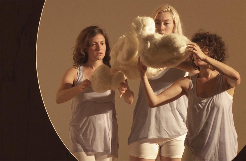Lucy Kaminsky, Madeline Wise & Melissa Krodman in Clouds