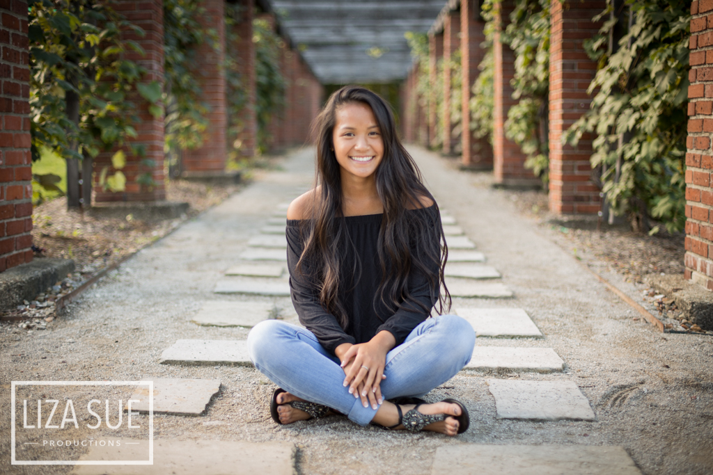 vineyard senior portraits cleveland akron