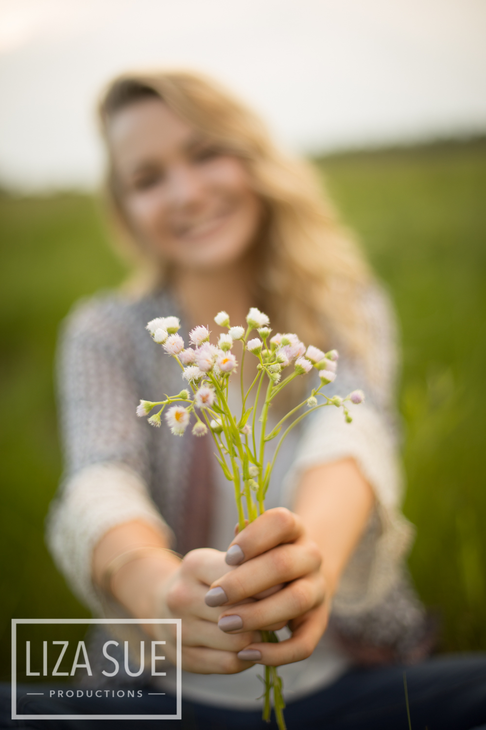 flower field senior portraits richfield colesium