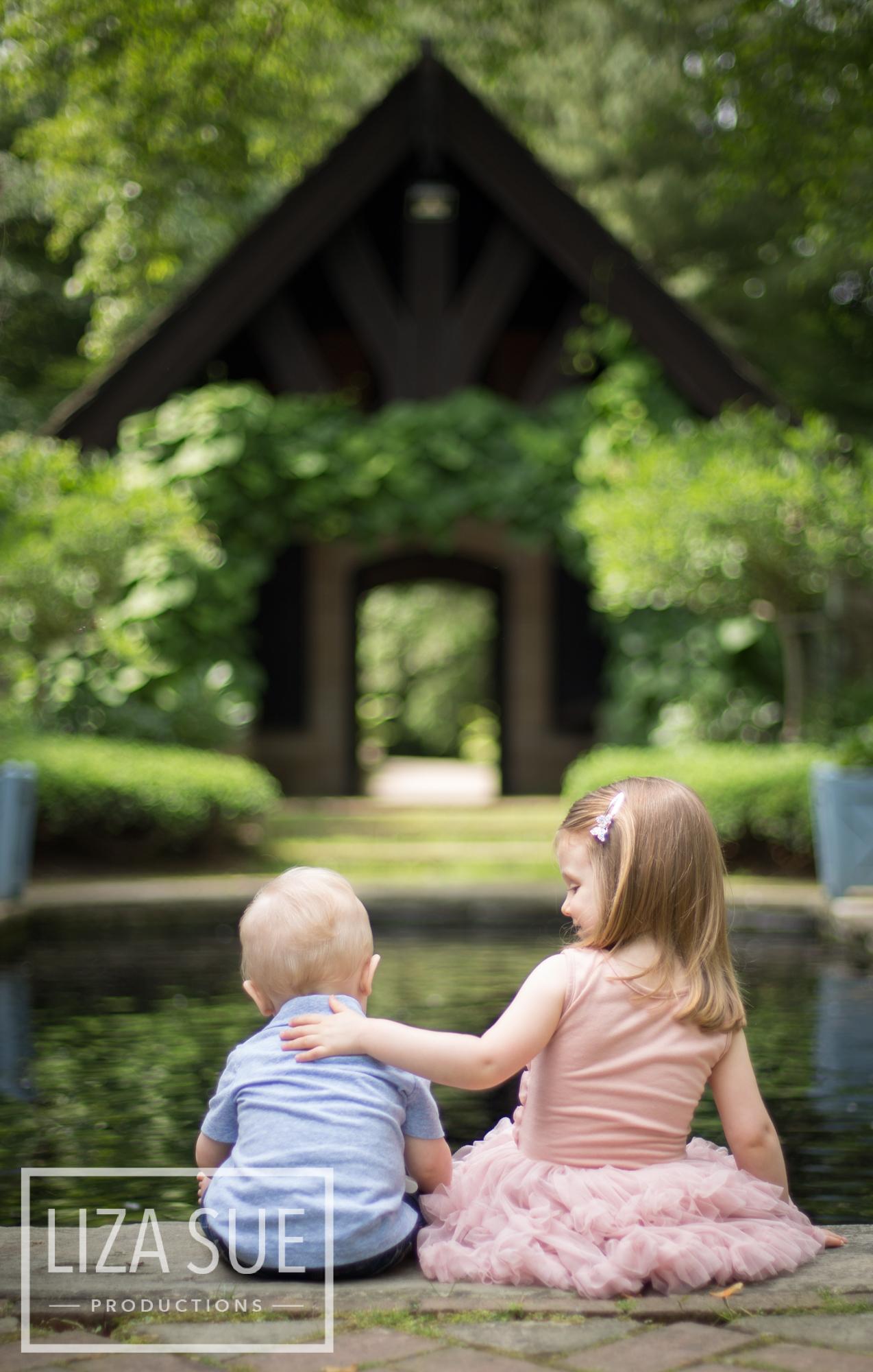 cleveland + akron family photo shoot stan hywett asian garden