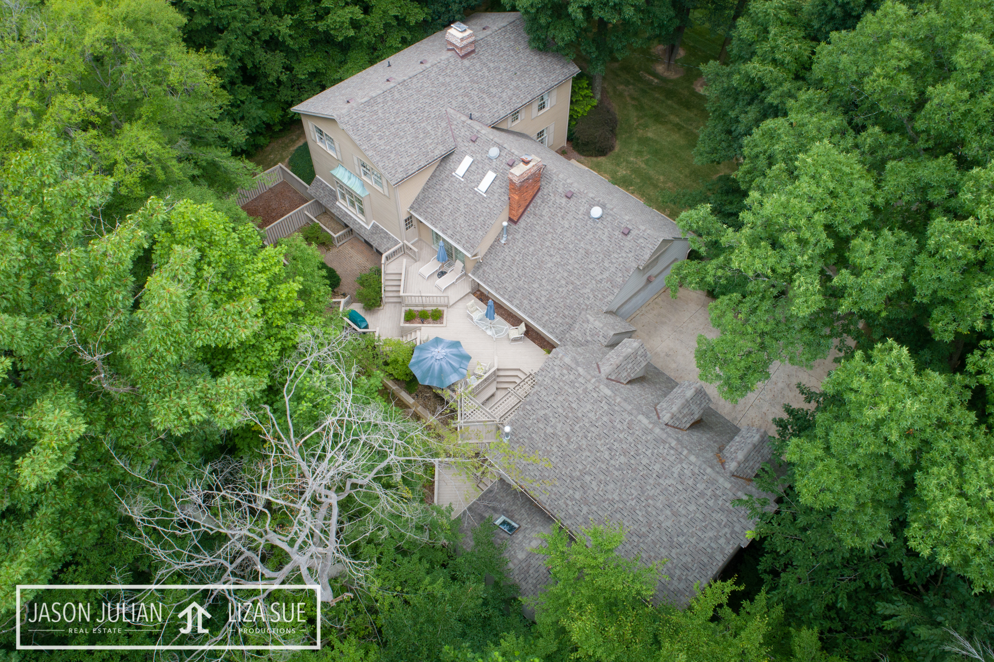 CLEVELAND + AKRON DRONE AERIAL PHOTOGRAPHY & VIDEOGRAPHY REAL ESTATE COMMERCIAL CORPORATE