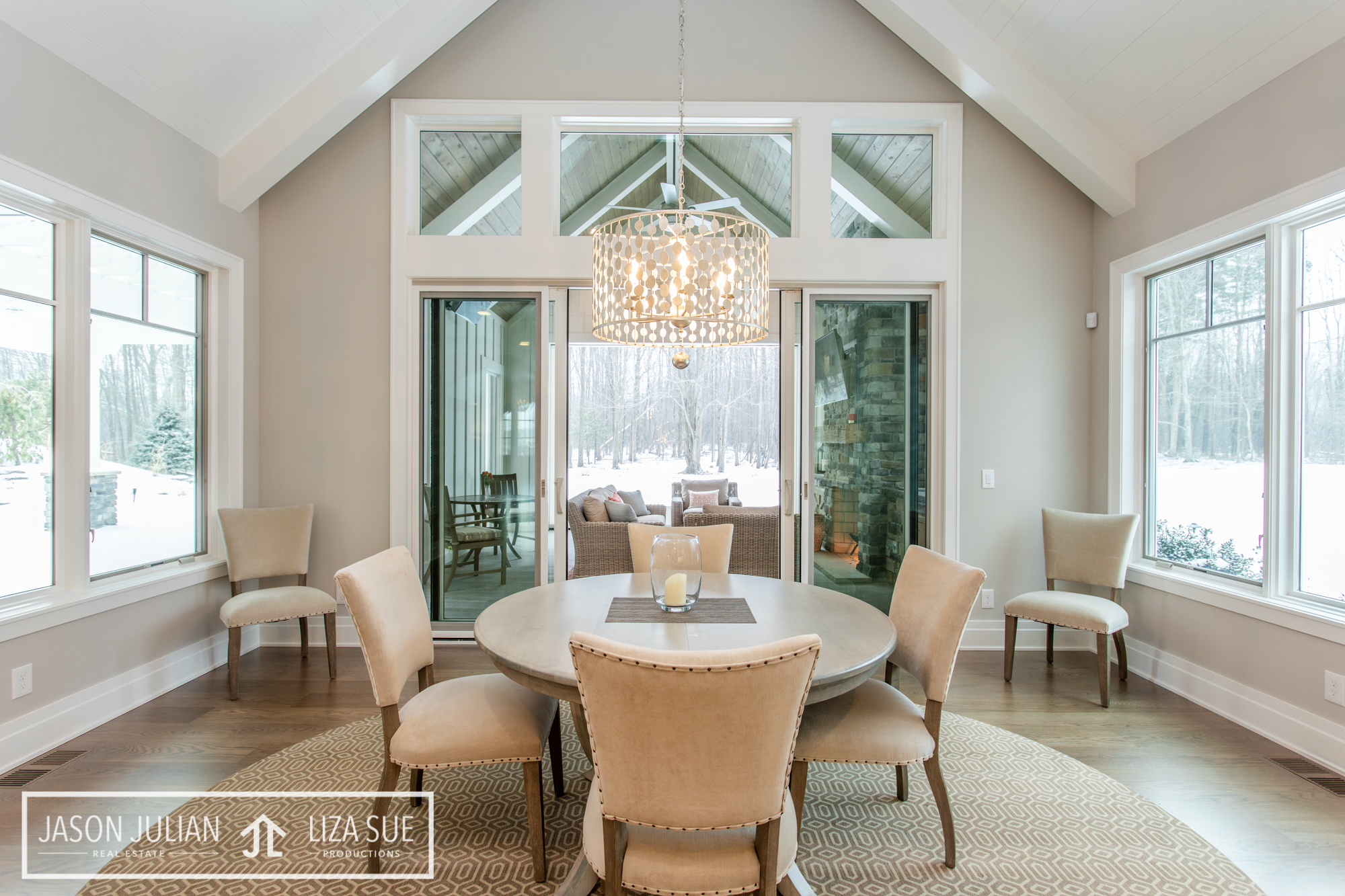 cleveland akron photography luxury high end photography breakfast nook cozy