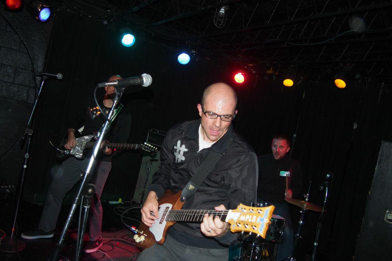 blind shake mpls guitars.jpg