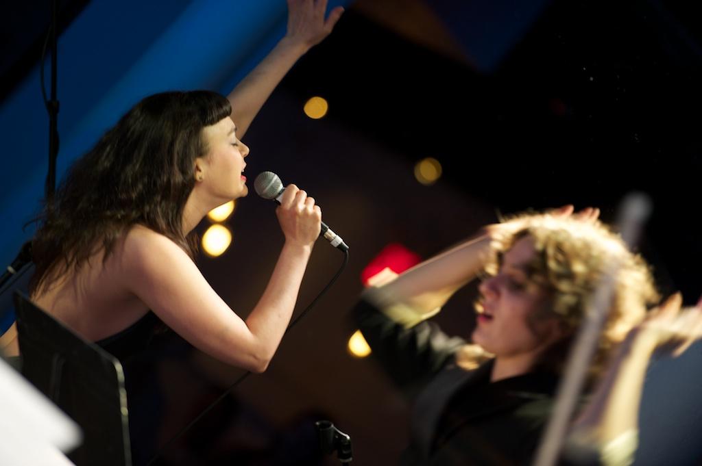 SARAH RENFRO (FEATURED SINGER)