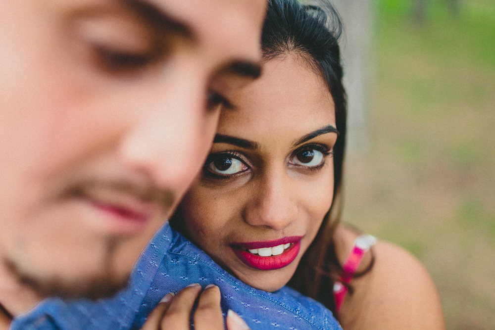 Intimate Engagement Photo Poses Guide