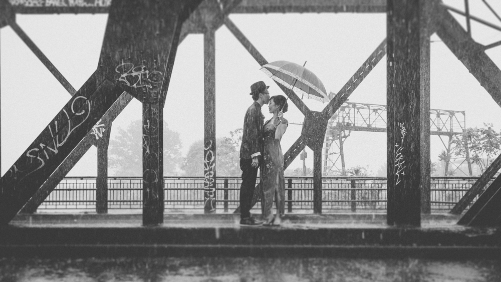 Wedding Photos in the Rain Bad Weather Alternative