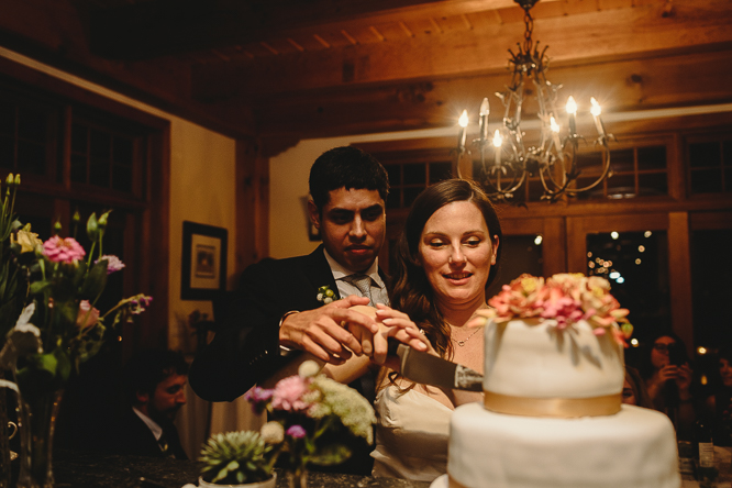 cake cutting wedding pictures