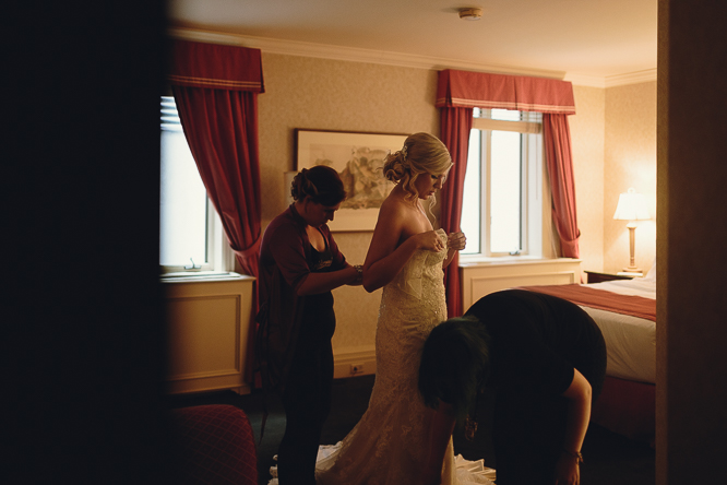 toronto national club bride getting ready