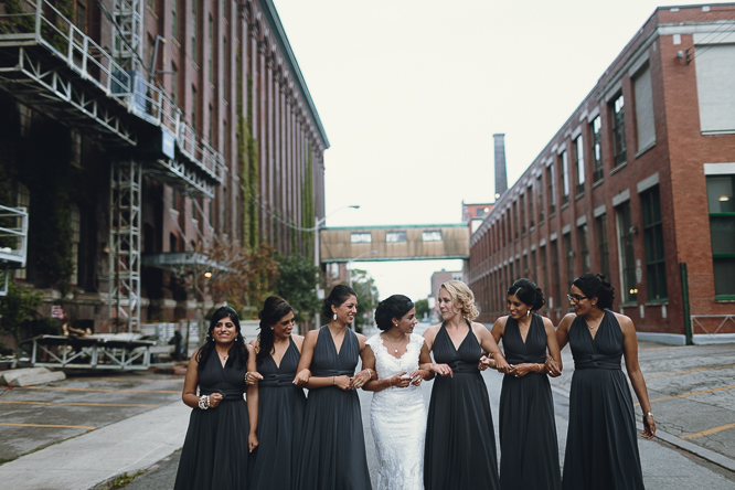 caffino bridal party photo idea