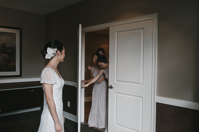artistic wedding photos in small space