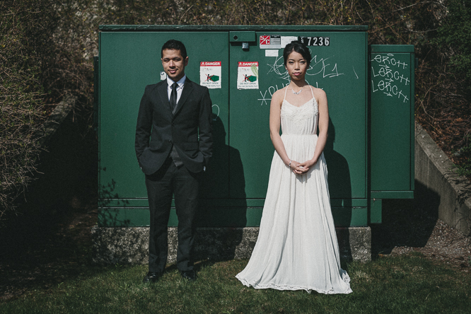 quirky fun wedding pictures