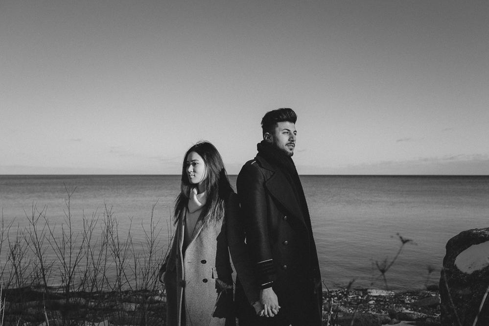 scarborough bluffs winter engagement photos