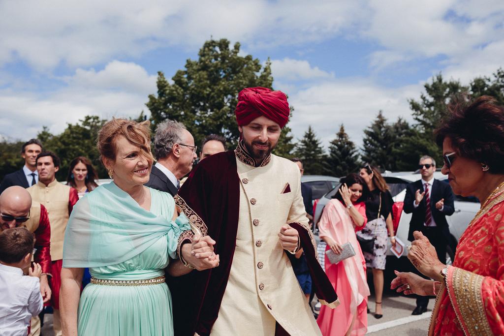 Toronto Indian Wedding by Toronto Wedding Photographer Evolylla Photography 0002.jpg