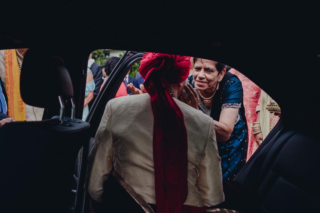 Toronto Indian Wedding by Toronto Wedding Photographer Evolylla Photography 0011.jpg