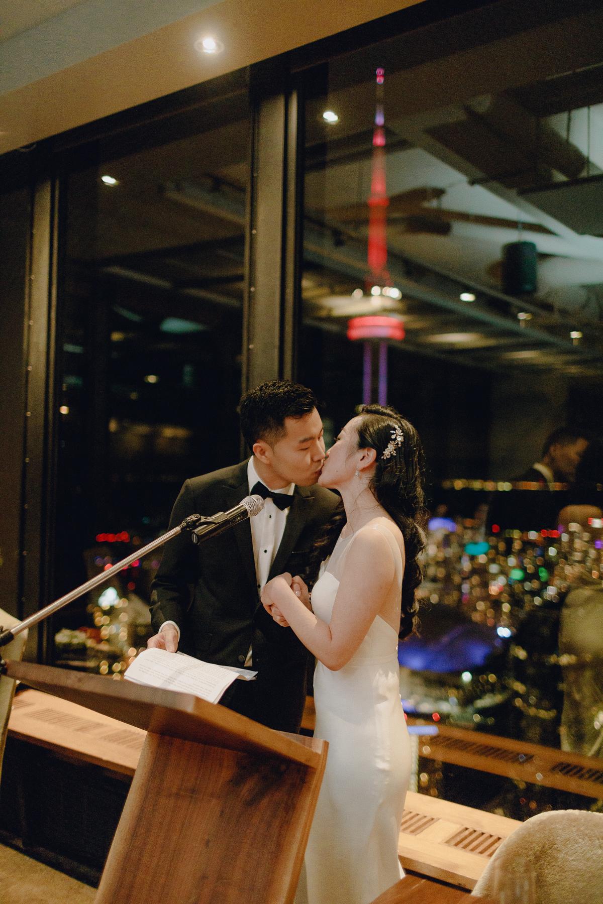 cannoe-restaurannt-wedding 0103.jpg