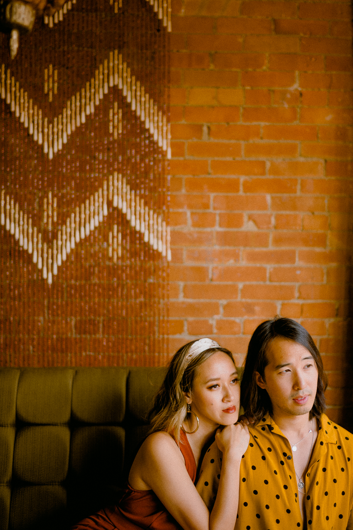 70s-inspired-vintage-wedding-engagement-photos 0005.jpg