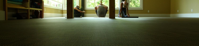 ashtanga-yoga-practice-3.jpg