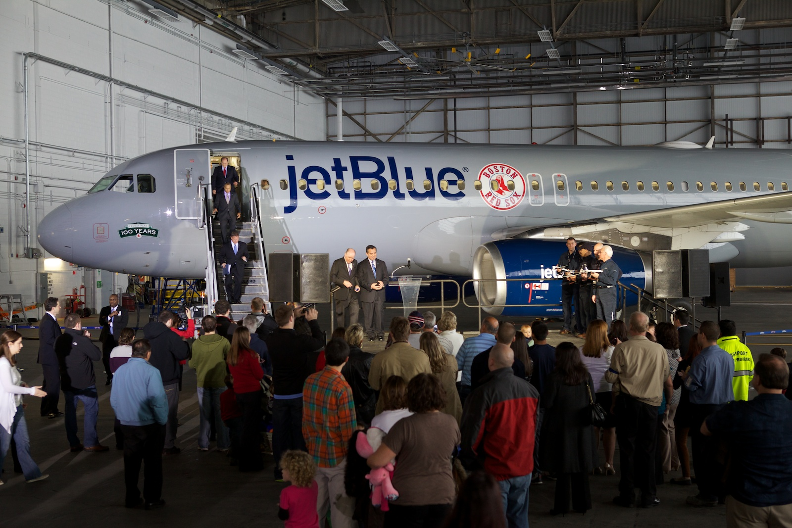 jetBlue Logan 24.jpg