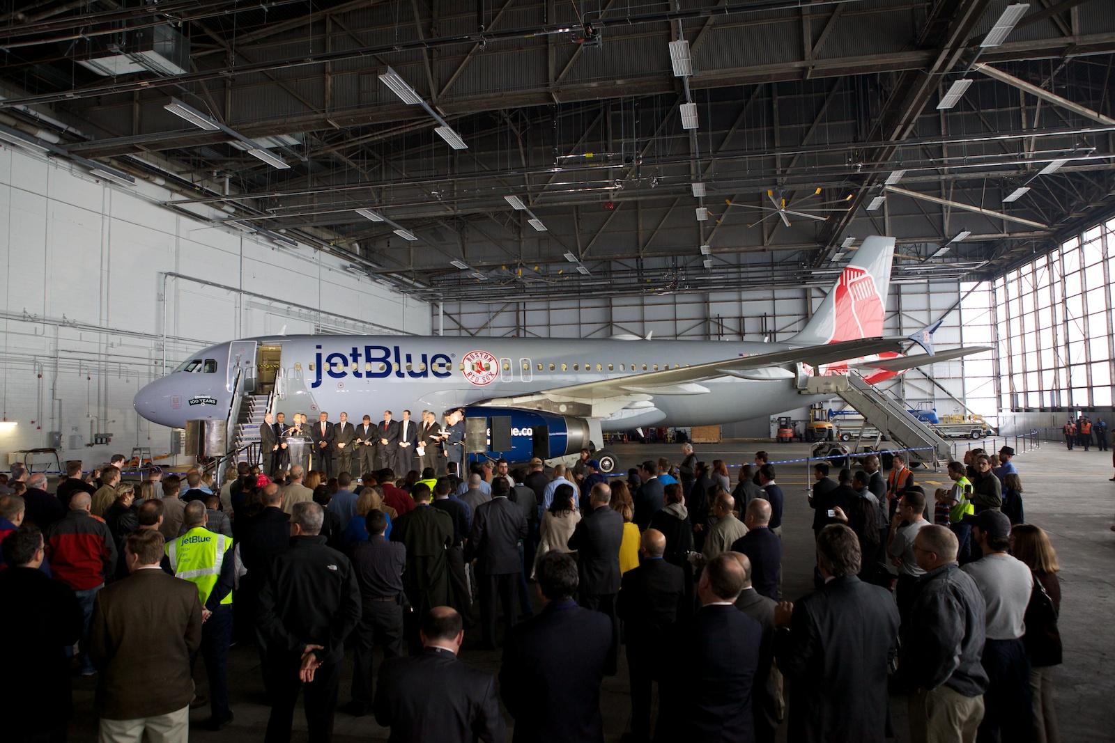 jetBlue Logan 36.jpg