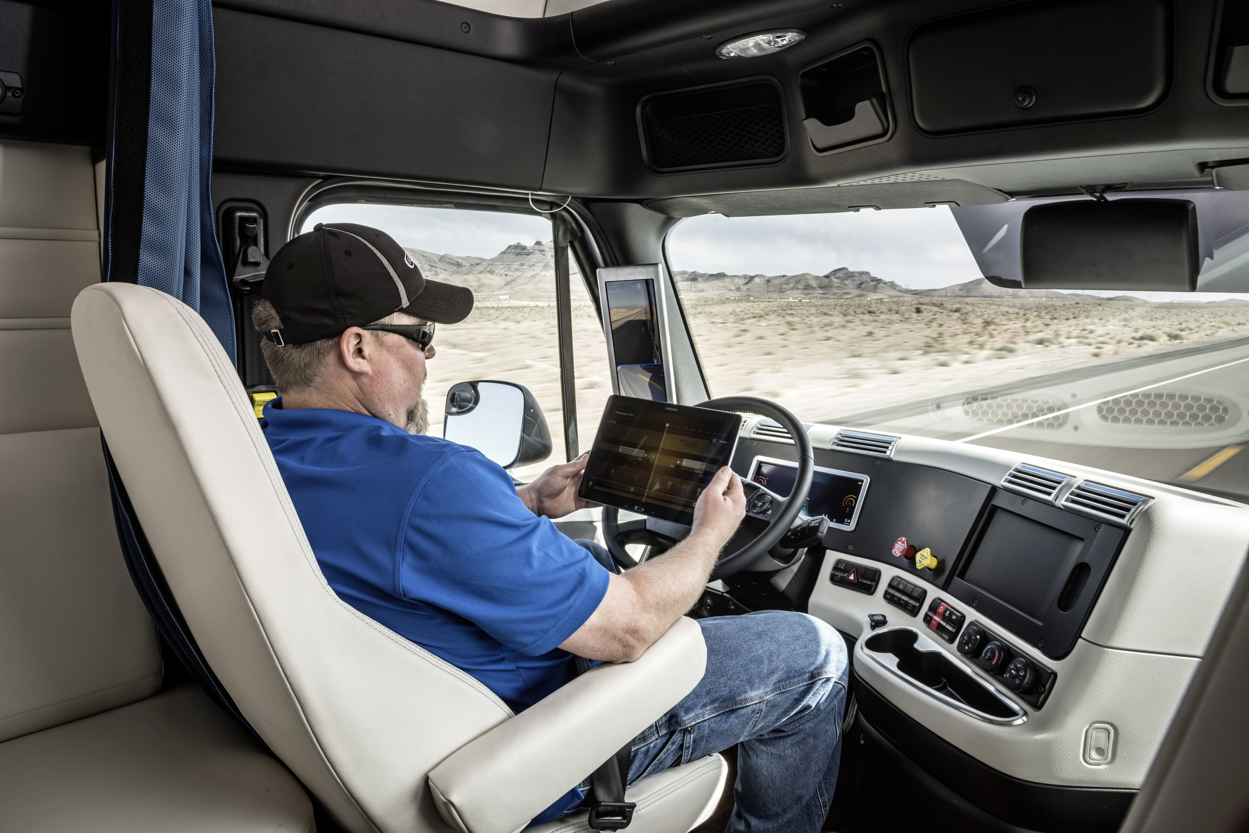 Freightliner_Inspiration_Truck_Driver.jpg