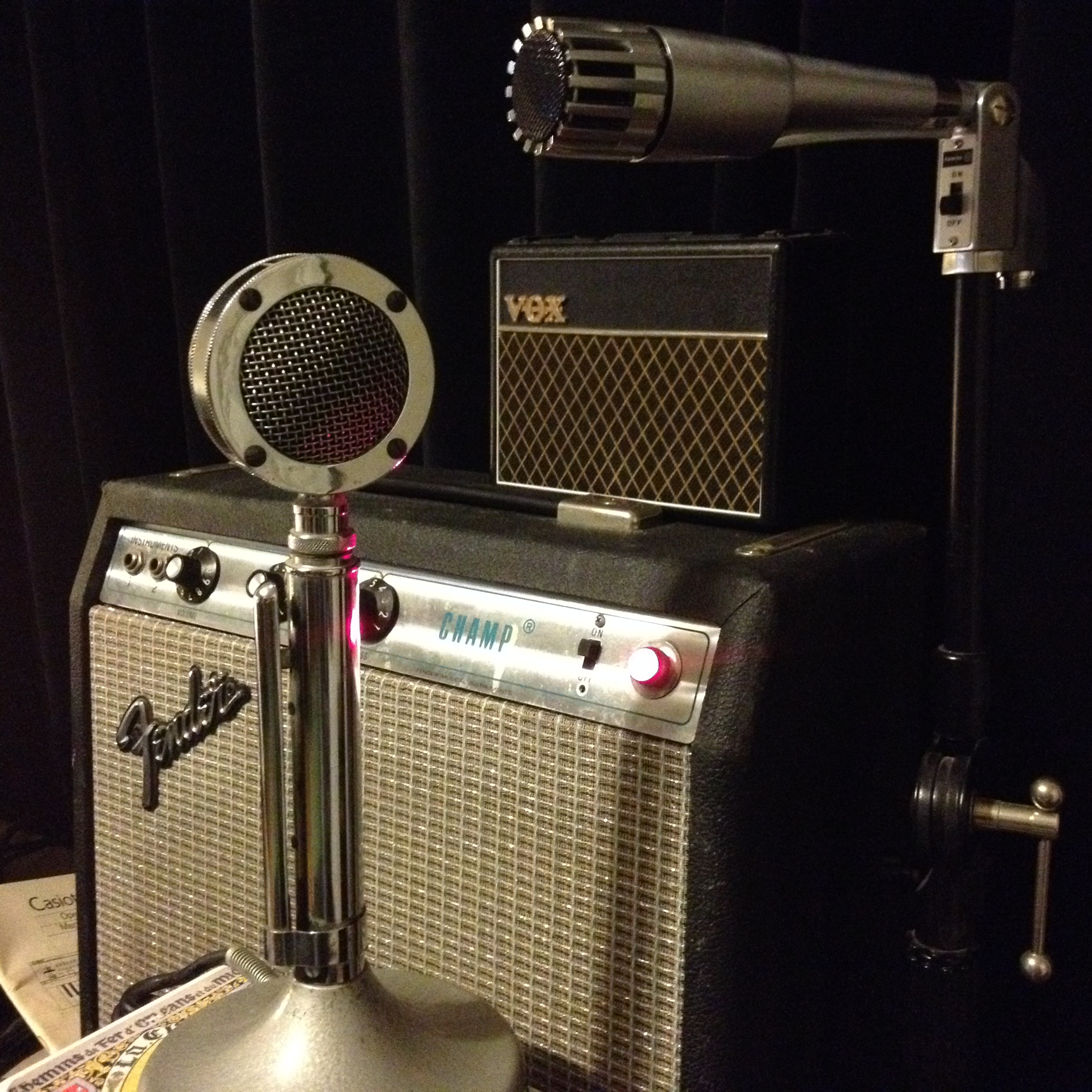 "Astatic ""cabbie"" mic, vintage silverface Champ, Vox mini amp"