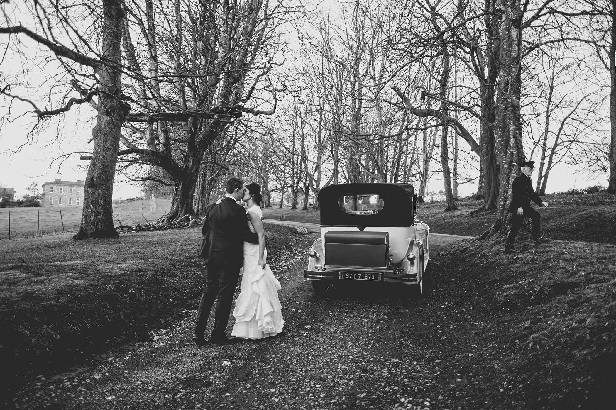 Kilshane House wedding, couple by car