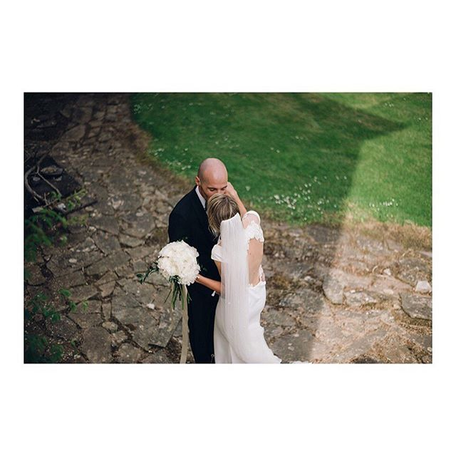 B&D now up on the blog!!!! (Link in bio) #instagood #weddingday #bridestory #junebugweddings #weddinginspiration #weddingdress #brides #greenweddingshoes #nikon #weddingphotography #groom #lookslikefilm #tyingtheknot #wedding #weddingphotography #weddingdaystory #irishweddingphotographer #irishweddingvenue #irishweddingsuppliers #documentaryphotography #bespokeweddingphotography #unposed #s33w #adarewedding #dunravenarms