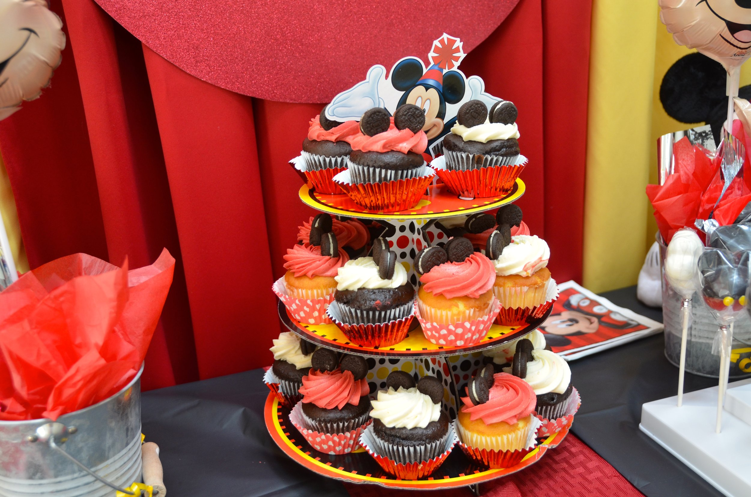Red and white Mickey ears (mini Oreos) cupcakes!